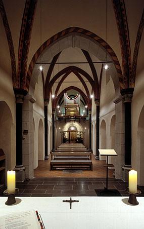 Blick durch Alt St. Martin vom Altar