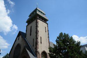 Der Turm der Heilig-Geist-Kapelle von Nordost