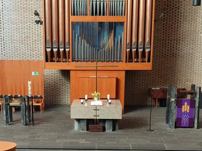 Innenraum der Dietrich-Bonhoeffer-Kirche in Garath