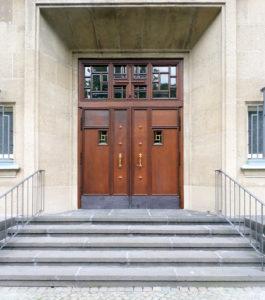 Eingang der Lutherkirche
