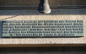 Gedenktafel am Pfarrhaus der Lutherkirche